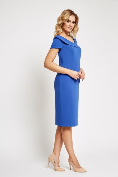 Chabrowa sukienka do kolan z krótkim rękawem