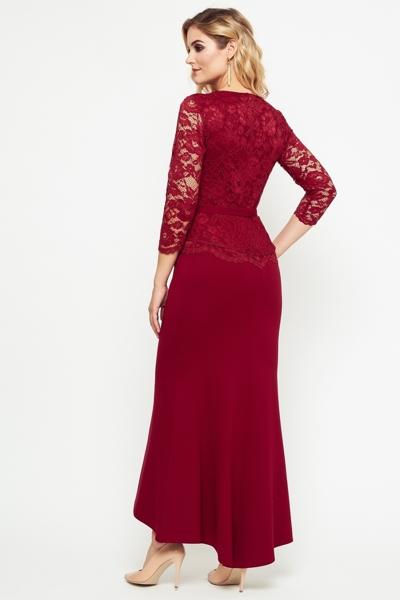 Długa elegancka sukienka w kolorze bordowym